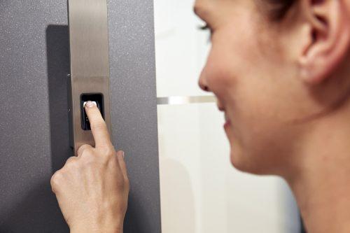 Öffne Deine Tür einfach per Fingerabdruck.